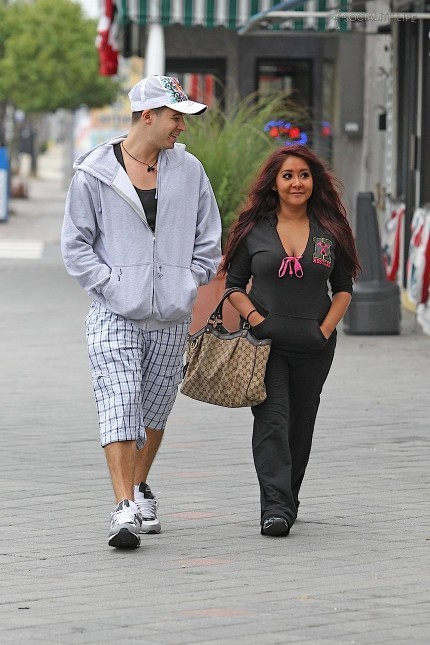 Vinny and SnookiNicole images Snooki and Vinny wallpaper