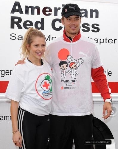The American Red tumawid Youth Run for Hapon Hosted sa pamamagitan ng Josh Duhamel