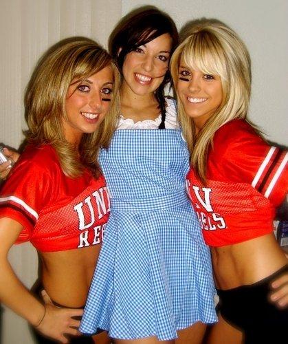 UNLV cheerleader