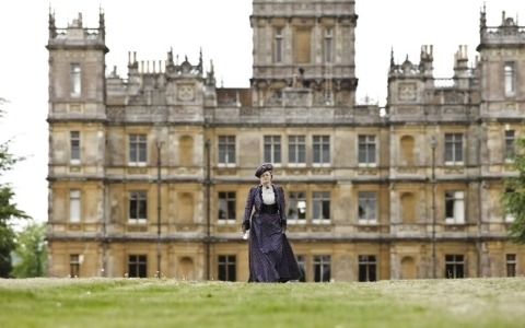 Violet - downton-abbey Photo