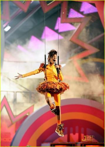 Willow Smith: KCA 2011 Performance!