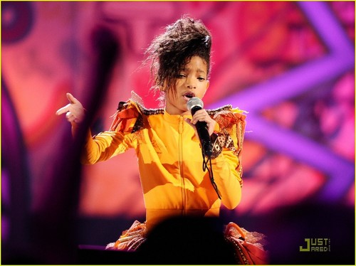 Willow Smith: KCA 2011 Performance!