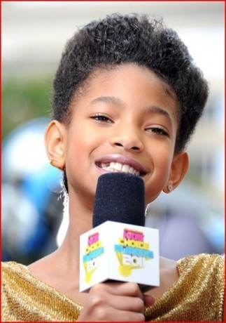 Willow on the orange carpet at The Kids' Choice Awards 2011