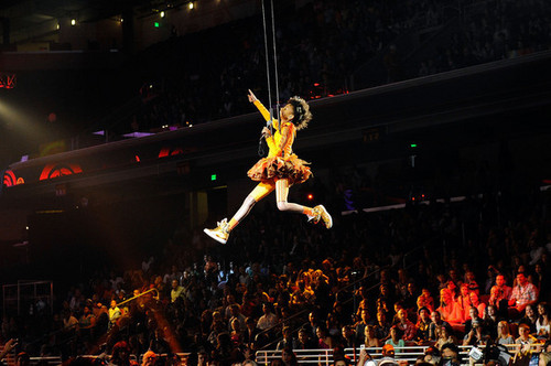 Willow performing at The Kids' Choice Awards 2011
