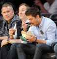 Zac Efron Cheers On Lakers (Photos HQ)