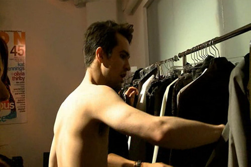 brendon shirtless! X) - brendon-urie Photo