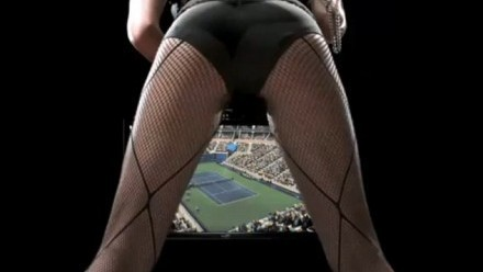 sexy cul, ass in tennis court !!