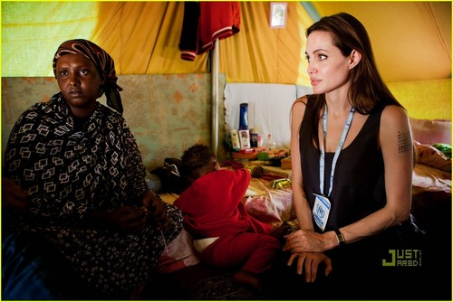 Angelina Jolie Urges Support for Libya's Displaced