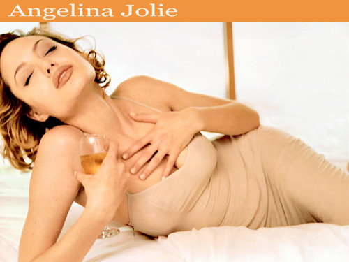 Angelina Jolie wallpaper containing skin titled Angelina Jolie