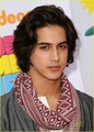 Avan Jogia, Leon Thomas & Matt Bennett: victorious at the KCAs!