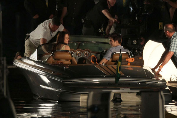 Breaking Dawn pics