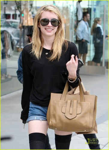 Emma Roberts wallpaper containing sunglasses titled Emma Roberts: Thigh High Hottie