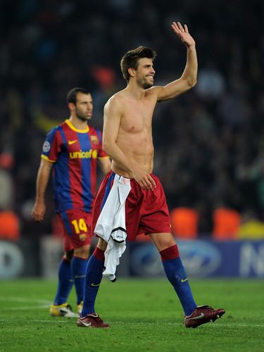 G. Pique (Barcelona - Shakhtar Donetsk)
