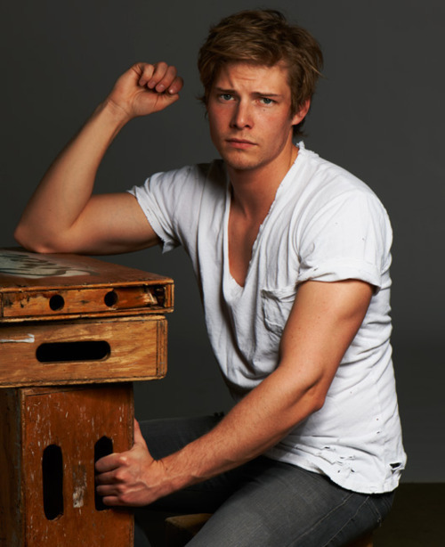Archy's page Hunter-Parrish-hunter-parrish-20714550-500-614