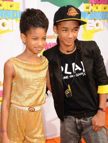 Jaden and Willow on the orange carpet at The Kids' Choice Awards 2011