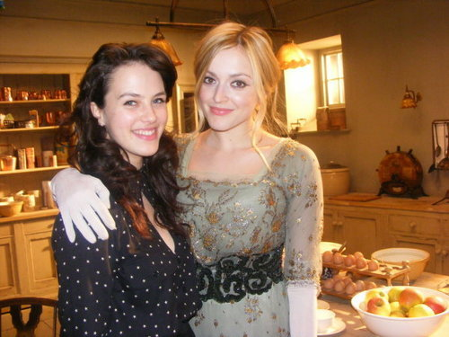 Jessica Brown-Findlay (Lady Sybil) and Fearne Cotton