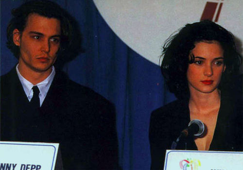 Johnny Depp and Winona Ryder at ShoWest 1990 - johnny-depp-and-winona-ryder Photo