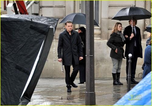 Leonardo DiCaprio: Rainy Cell Phone Shoot