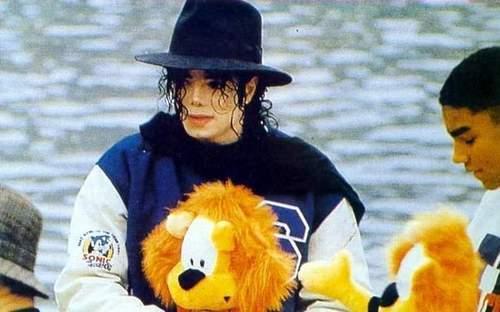 MICHAEL JACKSON!!!!!!!:)