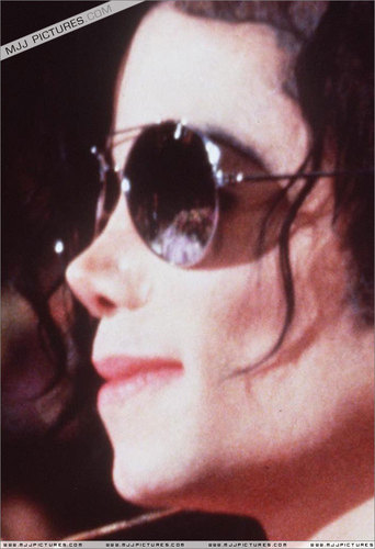 Dangerous era 바탕화면 with sunglasses titled MICHAEL JACKSON!!!!!!!:)