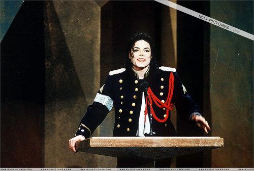 Dangerous era 바탕화면 called MJ :D