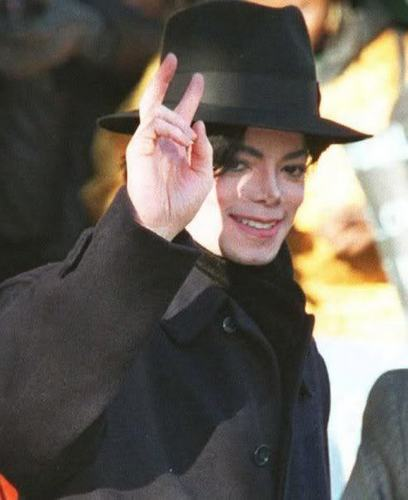 MJ THE KING FOREVER!!!! AND ALWAYS