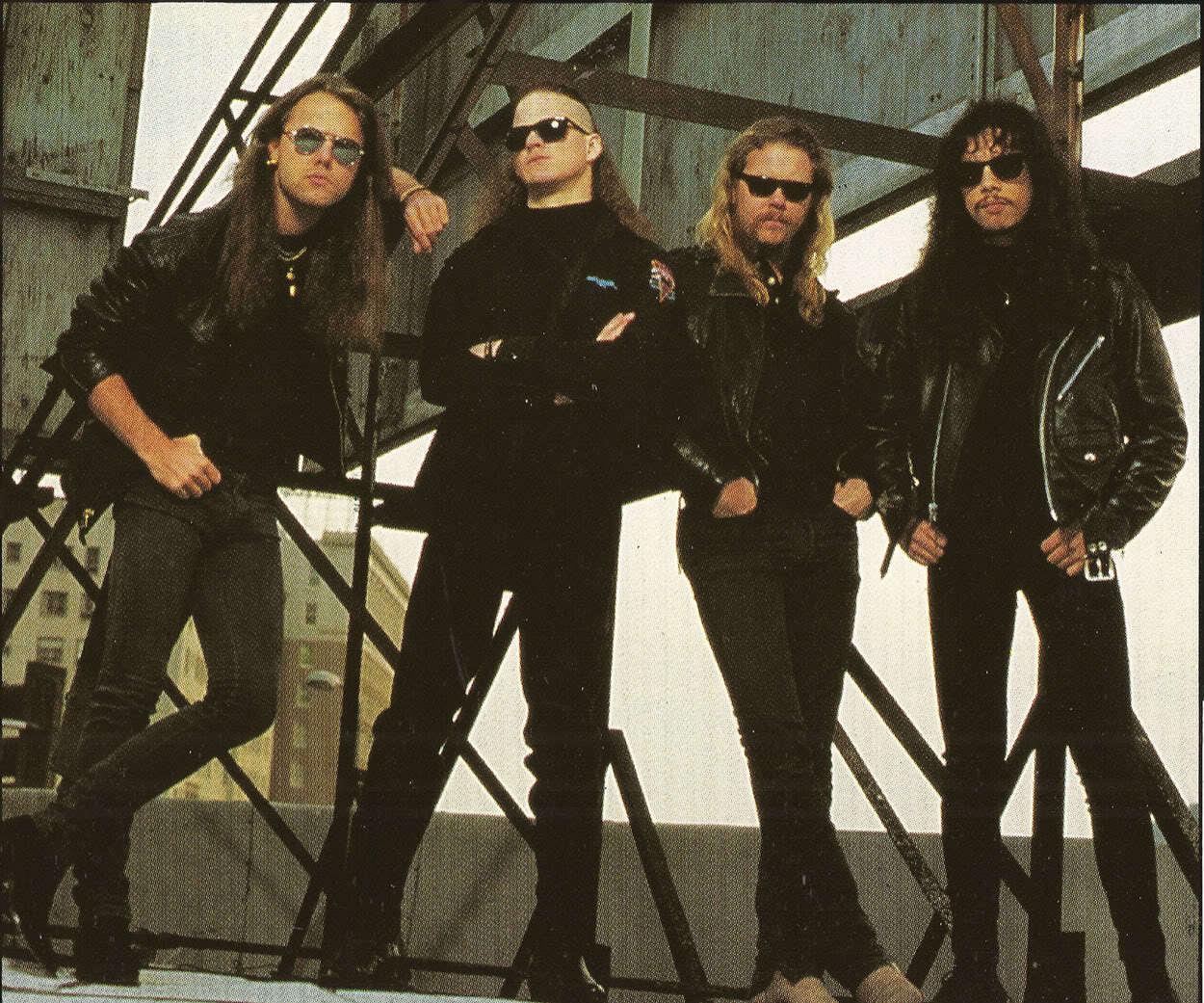 Metallica - Met... Illuminati Sign