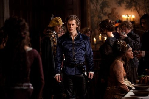 New Stills from Klaus episode