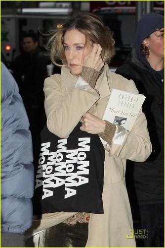 Sarah Jessica Parker: MoMa Mama!