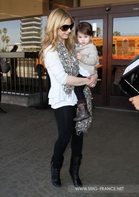 Sarah and charlotte at LAX Airport - 4th April 2011
