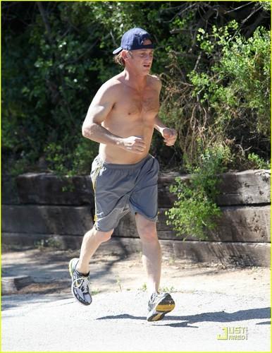Sean Penn: Shirtless Jogging In Malibu