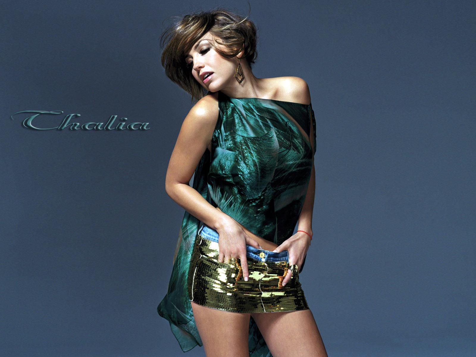 Thalia - Photos Hot