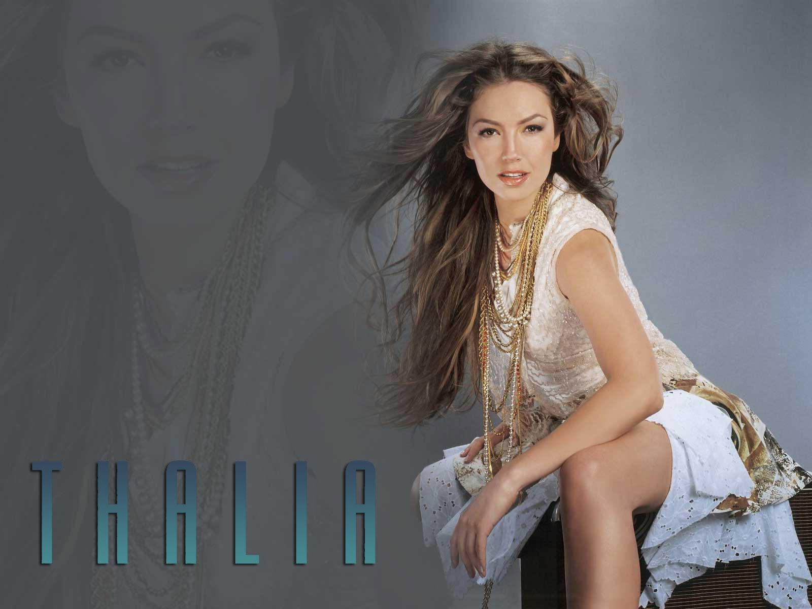 http://images4.fanpop.com/image/photos/20700000/Thalia-thalia-20736504-1600-1200.jpg
