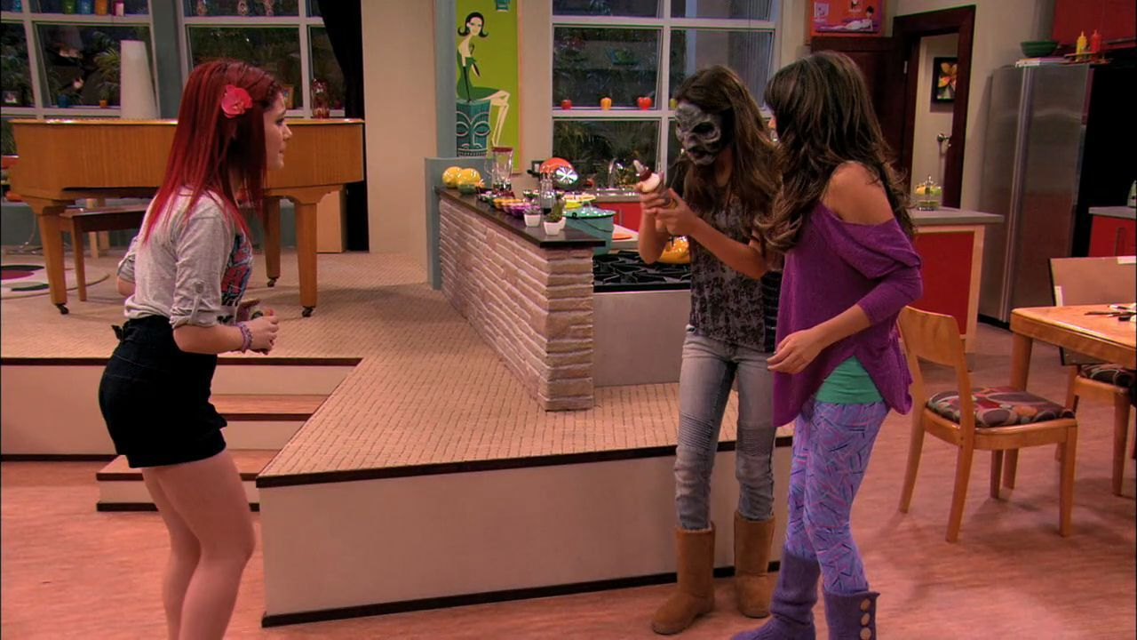 Victorious 1x06- Tori the Zombie