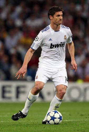 Xabi Alonso (Real Madrid - Tottenham)