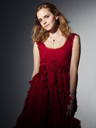 Hermione Granger wallpaper entitled hermione granger in red dress from the wedding in harry potter 7