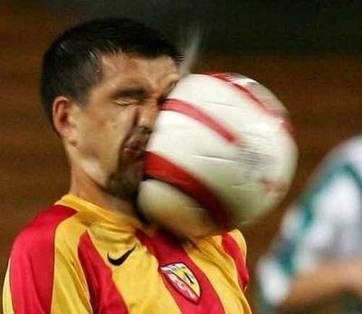 !!haha Футбол ball to the face!!