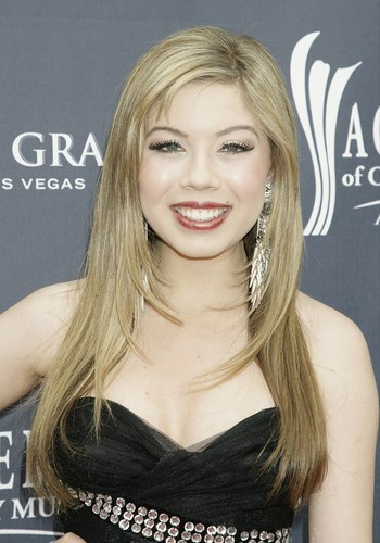 Jennette McCurdy achtergrond containing a portrait called Jennette McCurdy