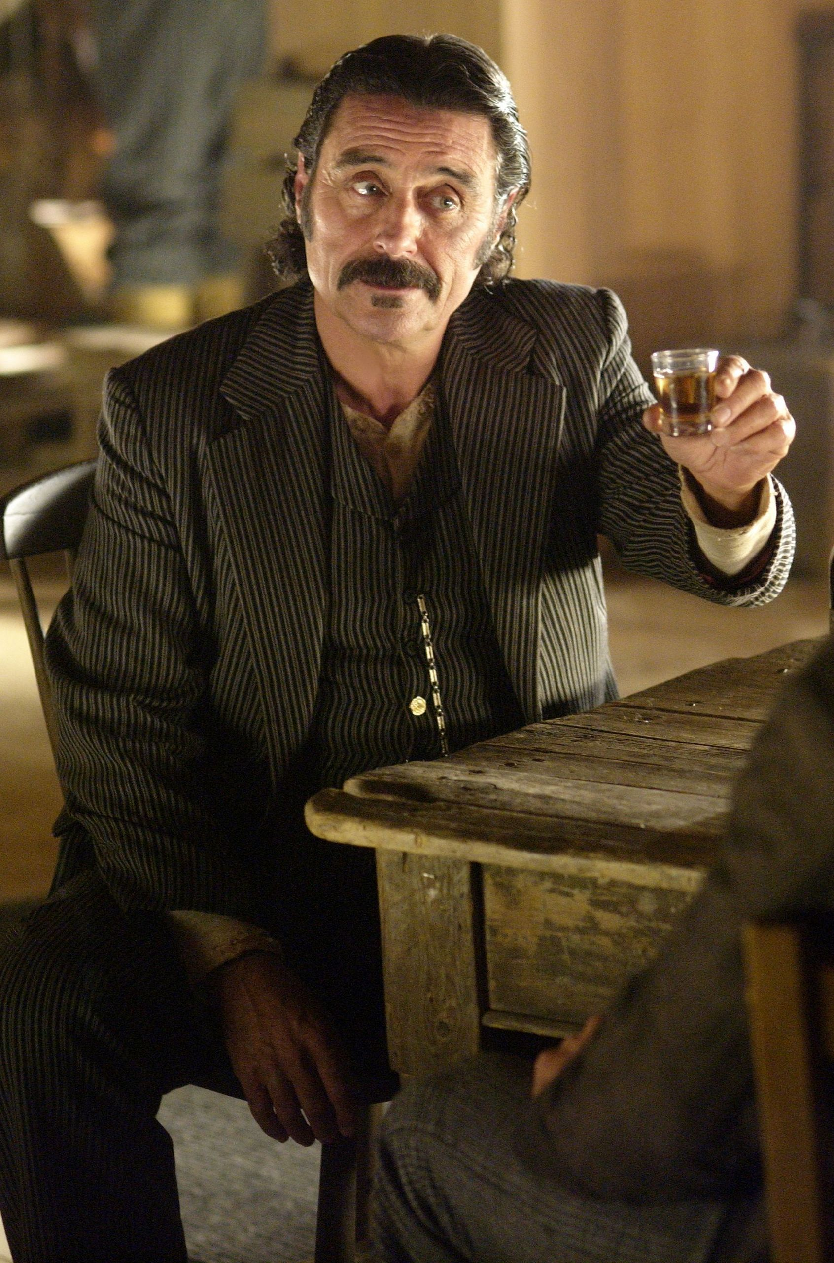 [Obrazek: Al-Swearengen-deadwood-20807784-1692-2560.jpg]