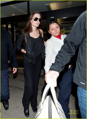 Angelina Jolie: Back in Los Angeles!