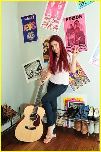 Ariana Grande hình nền titled Ariana G.