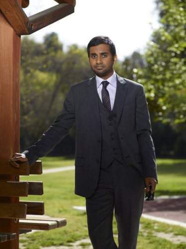 Aziz Ansari-Season 3 cast photo
