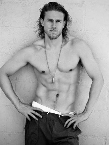 Sons Of Anarchy wallpaper possibly with a hunk and skin entitled Charlie Hunnam
