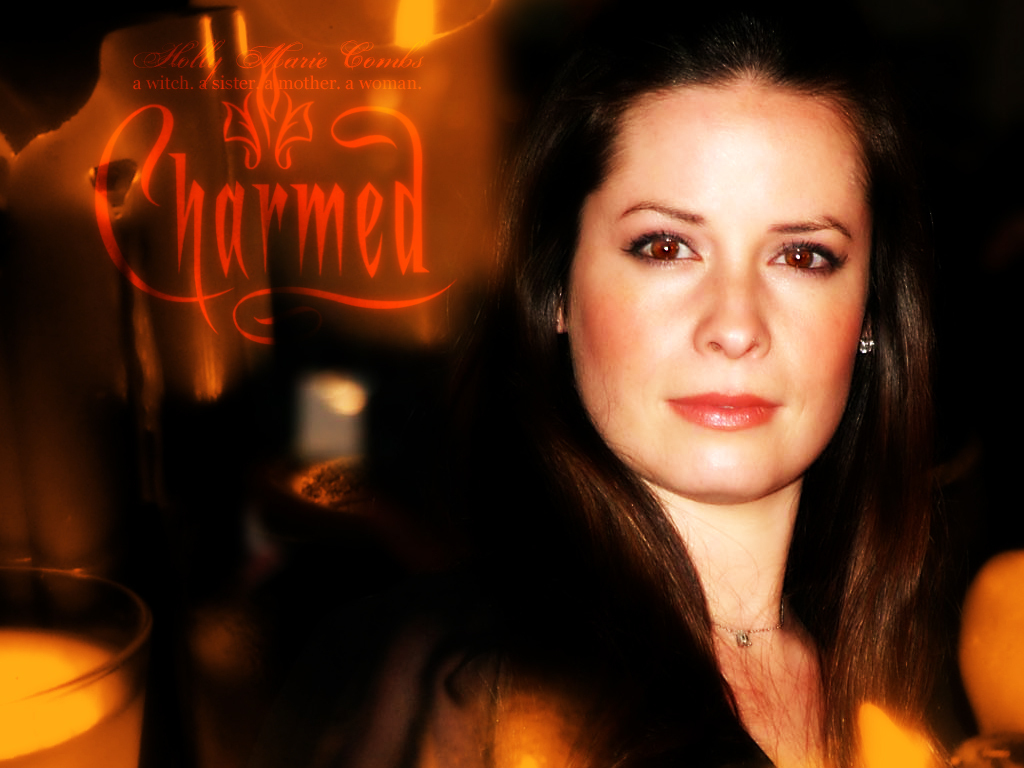 Holly Marie Combs - Picture Hot