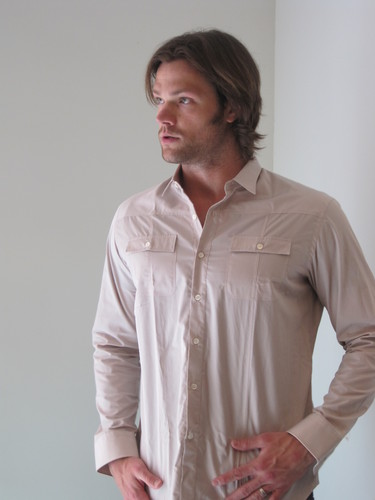 Jared Padalecki wallpaper possibly containing a bathrobe titled Jared 09.04.11