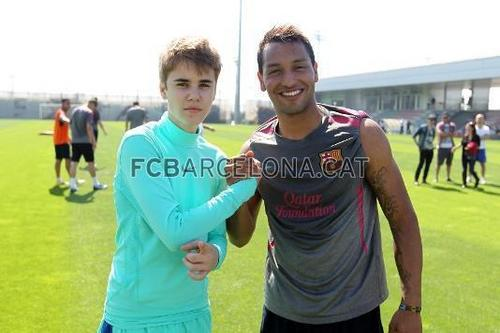 ¿Cuánto mide Justin Bieber? - Altura: 1,73 - Real height Justin-Bieber-trains-with-Barcelona-justin-bieber-20815467-500-333