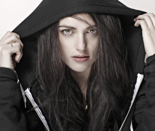Katie McGrath kertas dinding probably with a hud, hood called Katie McGrath ♥