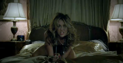 Miley-Sexy Who Owns My Heart? musique Video!