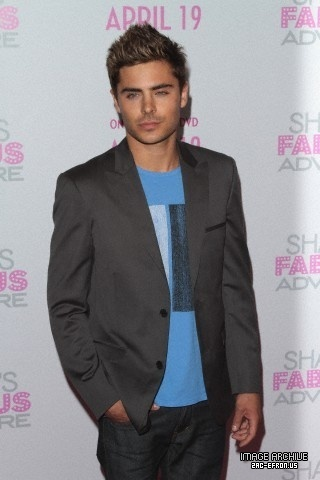 pictures of zac efron in 2011. New (HQ) Zac Efron 2011