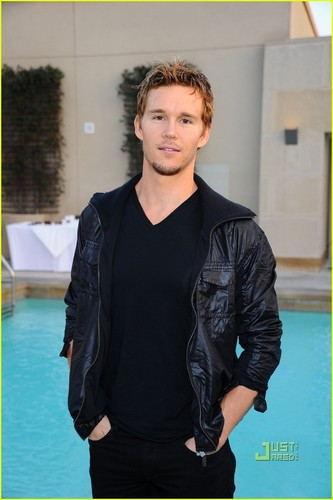 Ryan Kwanten: Oakley Summer Soiree!